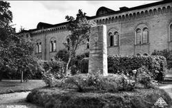 Fästningen Karlsborg. Minnessten utanför slutvärnet, kungl G