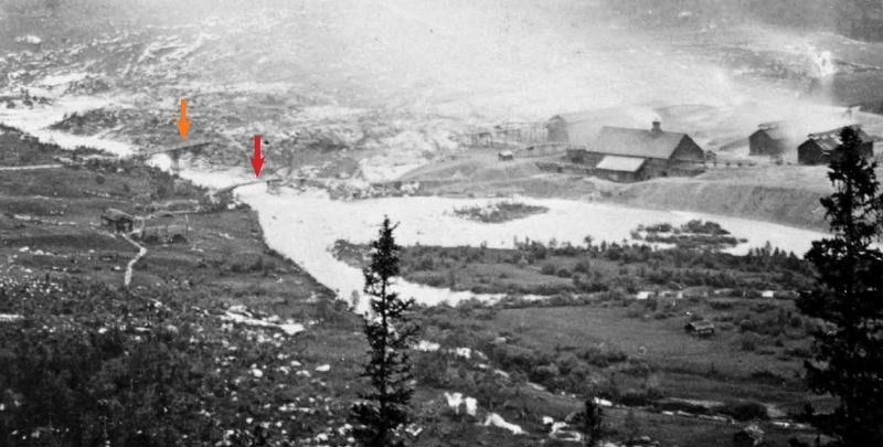 Bildet viser hytteplassen på Eidet og bruene over Gaula.