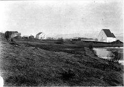 Trondenes prestegård og kirke.