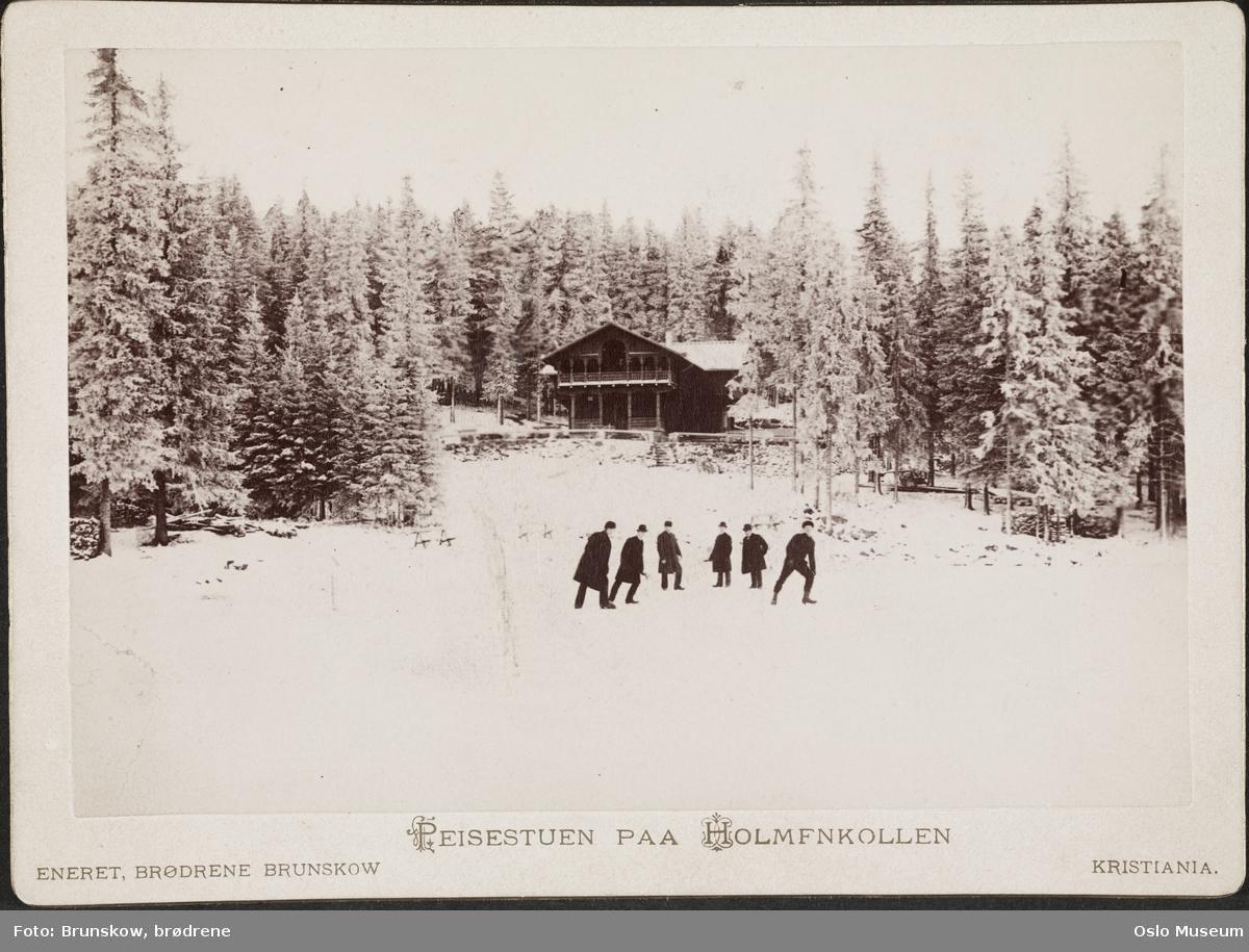Peisestuen skog, snø, menn, islagt vann