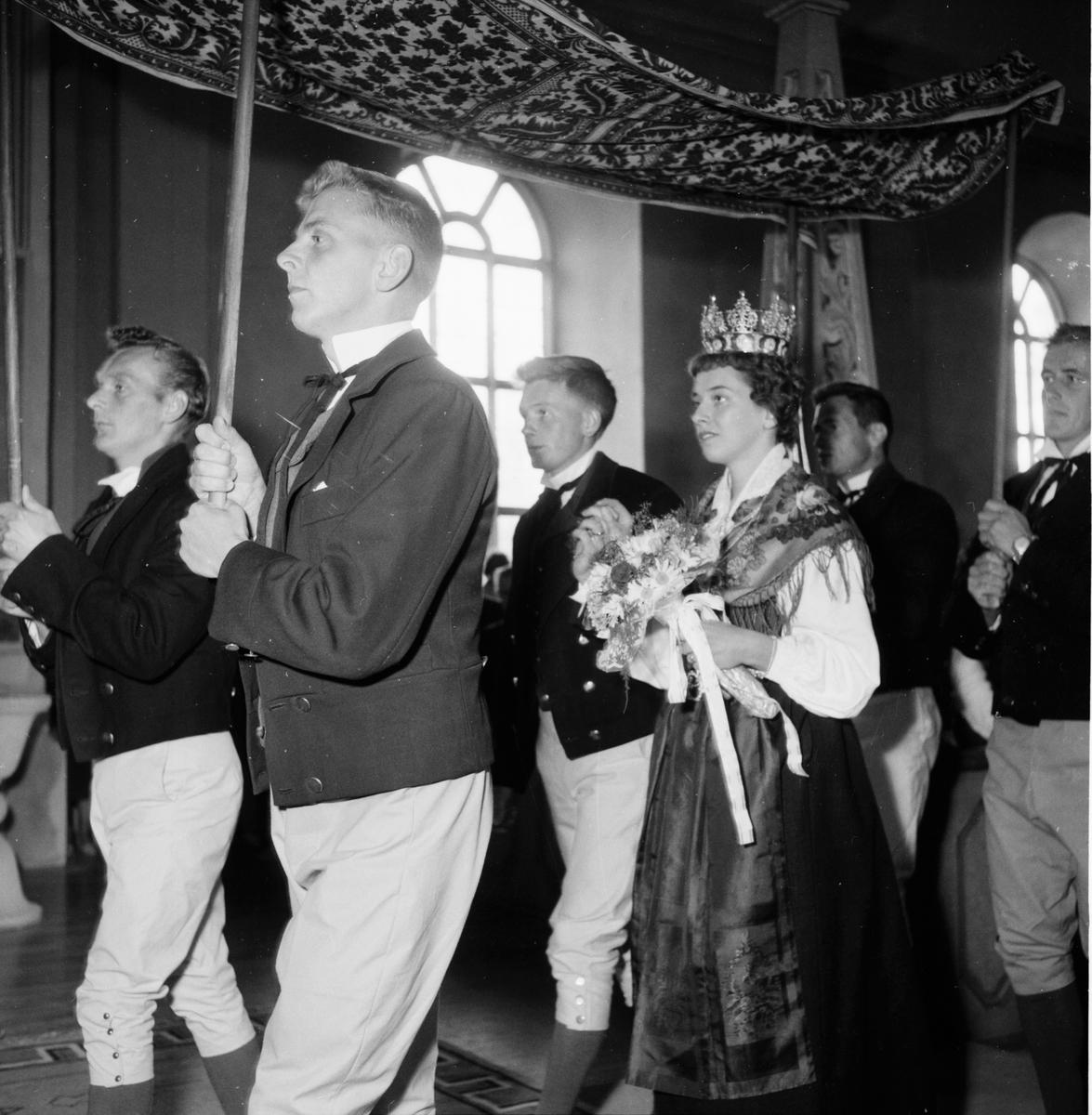 Kyrka och kyrkbröllp. 3/8 1958