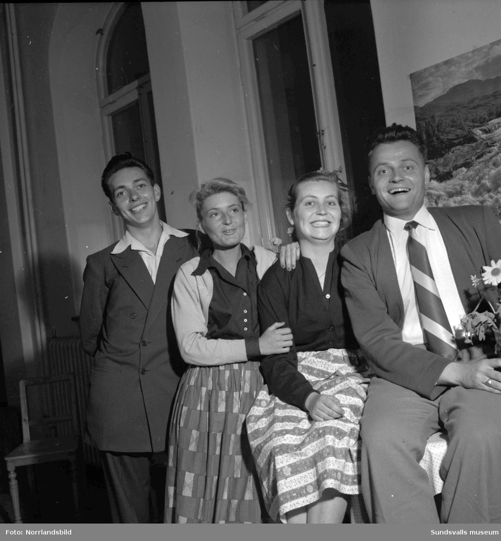 Gäster från fyra världsdelar på Vandrarhemmet i GA-skolan, Sundsvall.
