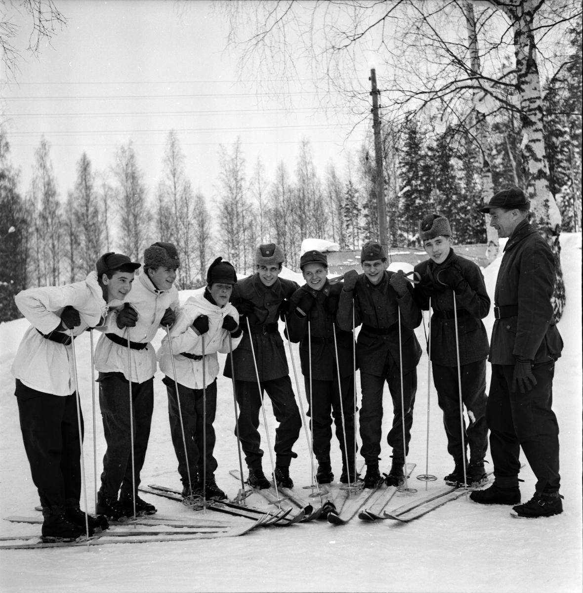 Stagården, Ungdomar på kurs, 1 Mars 1966