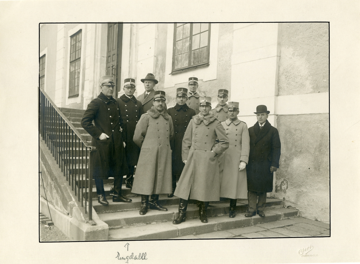 Grupporträtt av officerare på Strömsholm.