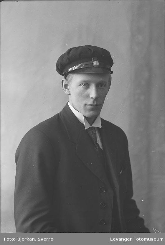 Portrett av K. Gullikstad.