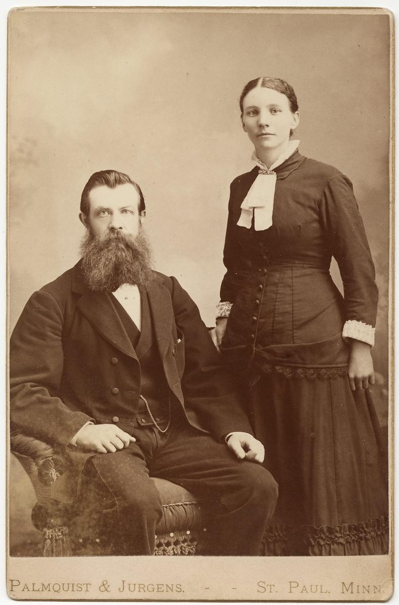 Porett av en mann og en kvinne [Fotografi]