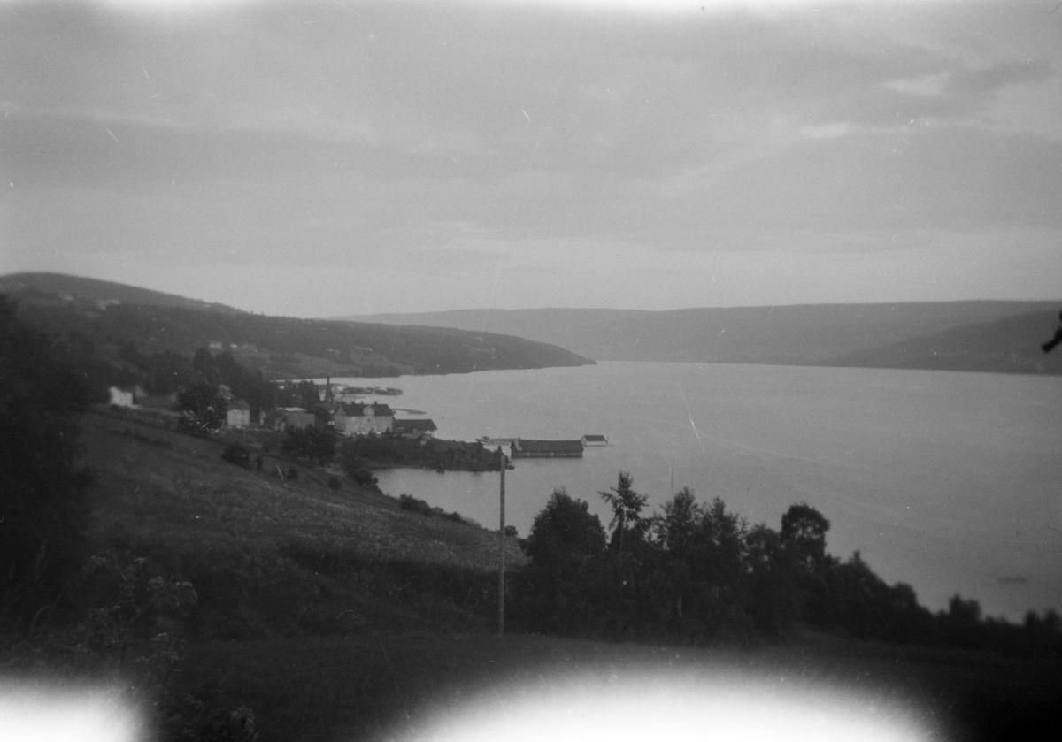 Flom i Mjøsa 1927. Mot Berget.