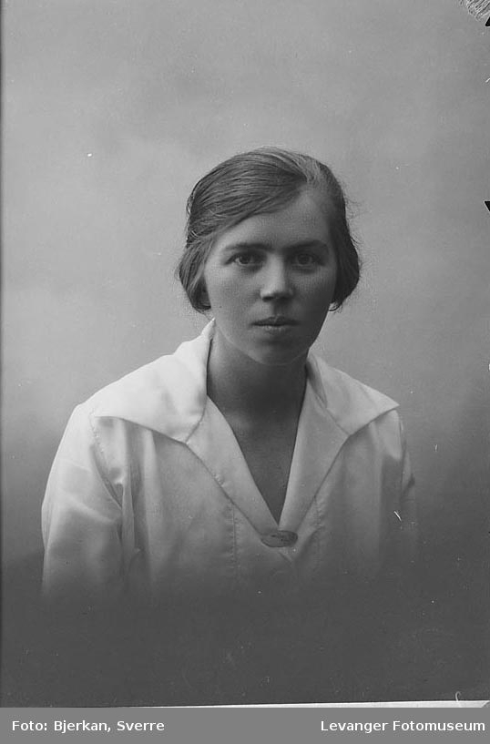 Portrett av Alfhild Rokselle.