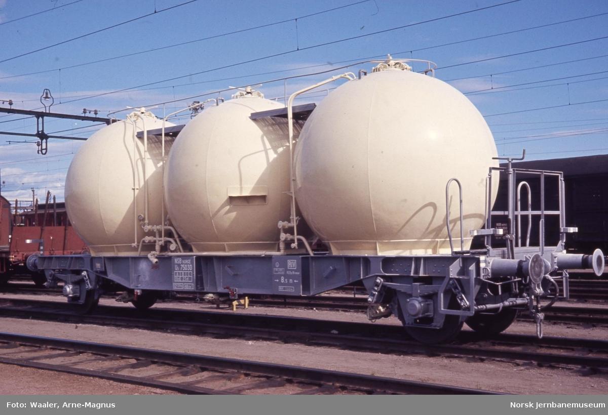 Ny godsvogn litra U5 nr. 75030 for bulktransport (mel etc)