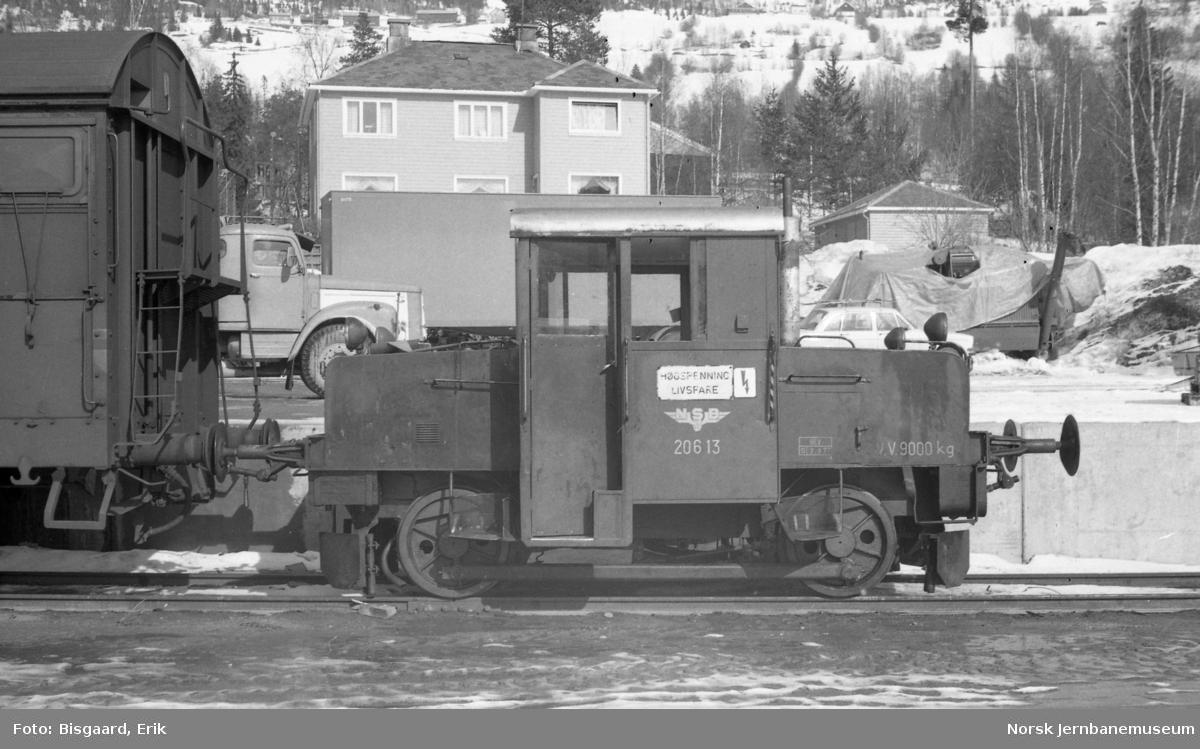 Skiftetraktor Skd 206 13 på Fagernes stasjon