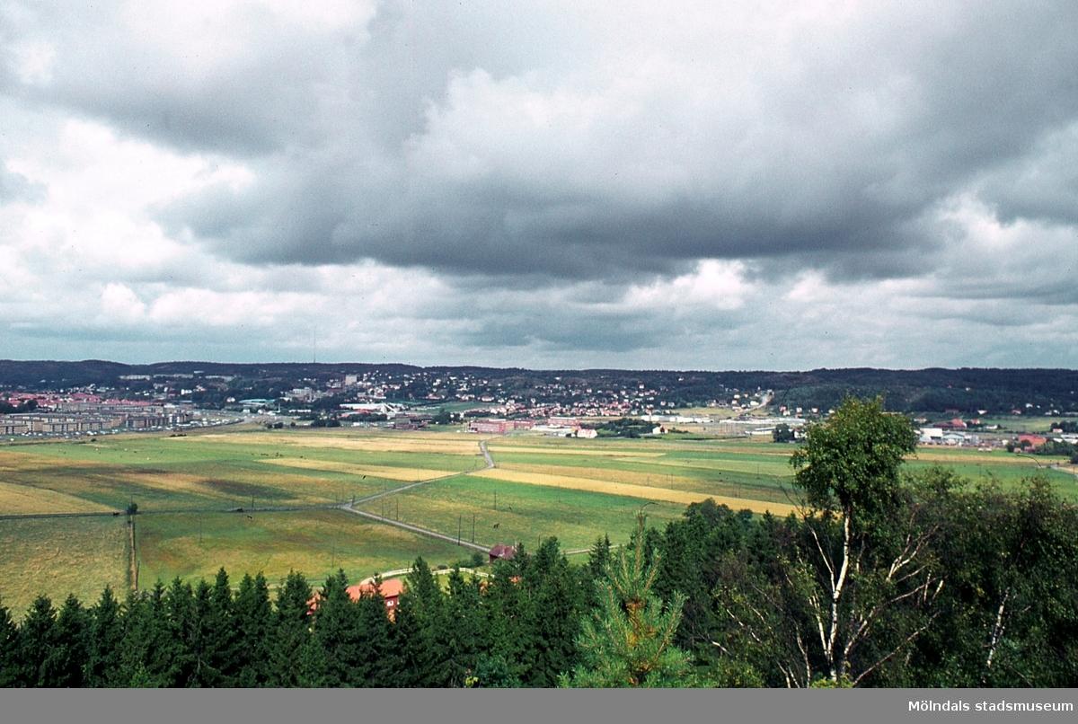 Vy över området Kärra i Mölndal, år 1965. Kä 2:24.