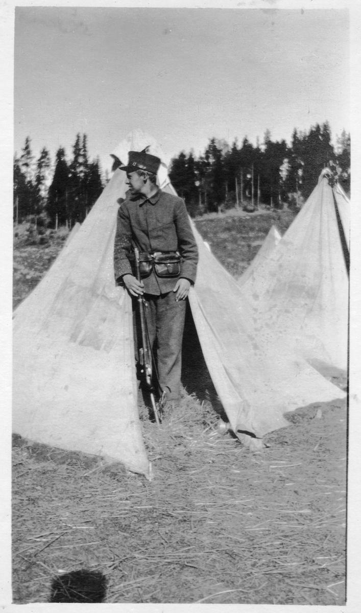 Soldat i tjeneste på Hvalsmoen.
