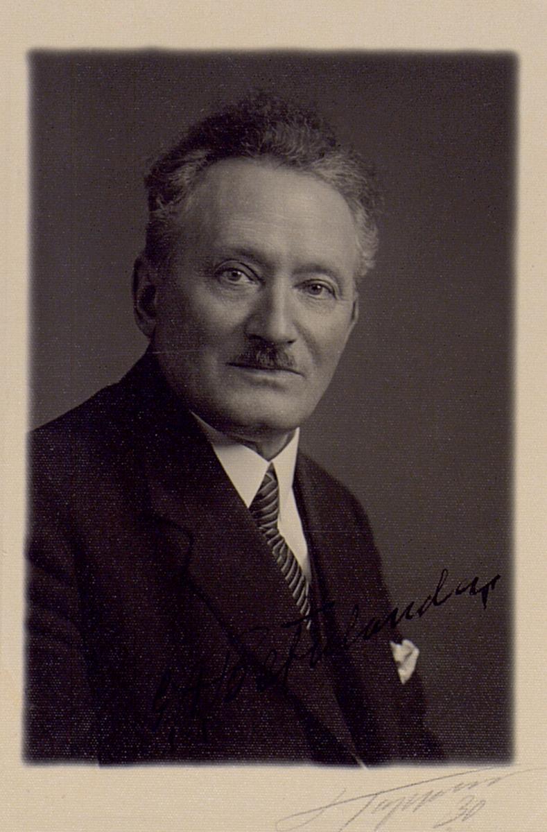 G.A. Betulander är med 150 patent en av de flitigaste uppfinnarna vid sin tid. Hans insatser var framför allt inom automatiseringen av telefonnätet i Sverige och verksamhet utomlands. Han drev även under perioder egen verksamhet, men var större delen av sitt arbetsliv anställd vid Telegrafverket.