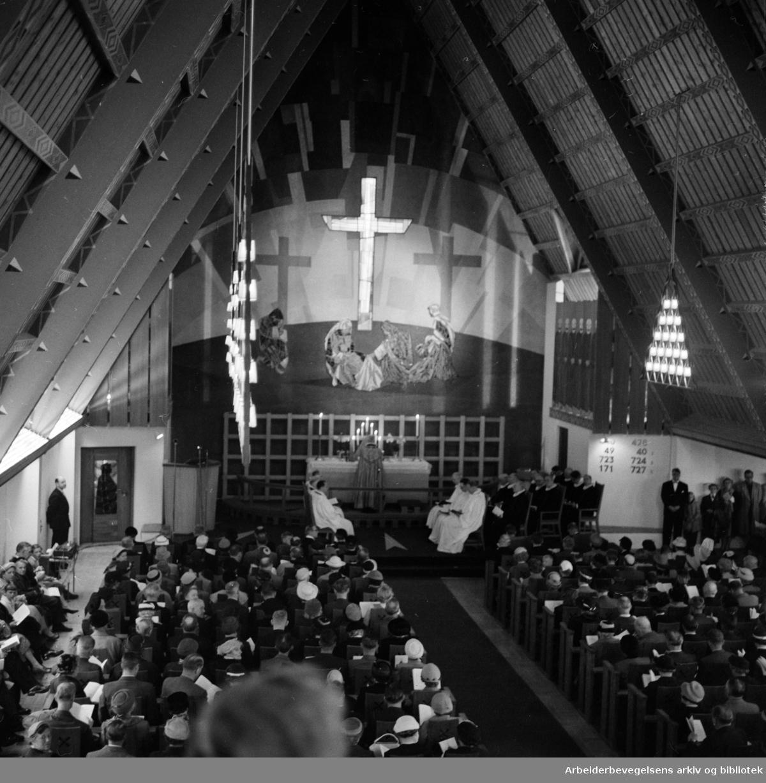Torshov kirke innviet. Mai 1958