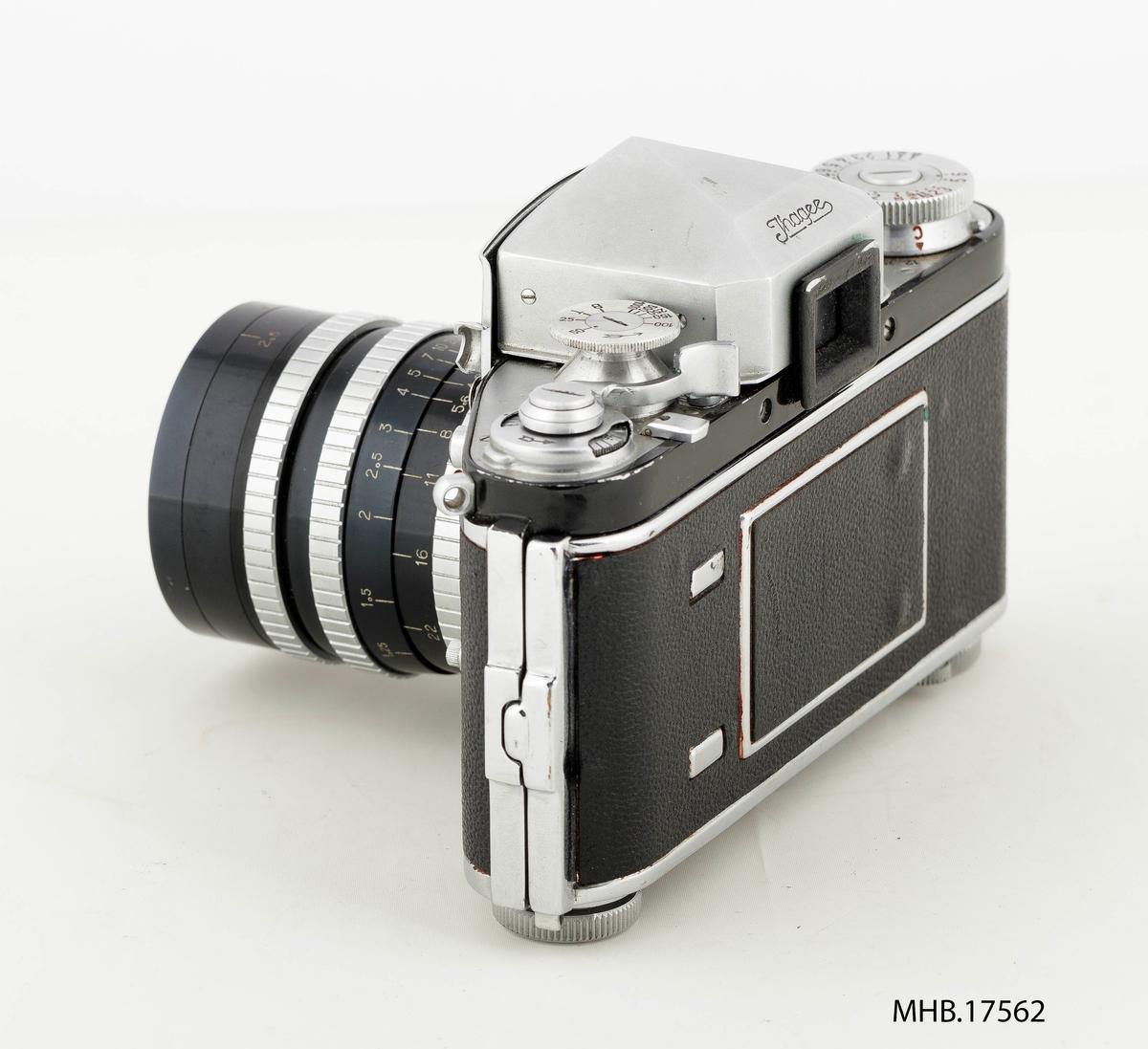 Fotoapparat Exakta Varex VX (filmrull 35 mm) med etui og ekstra søker med etui. Retrofocus Type R1 No.462874 linse (made in France). Produksjonssted Dresden, Tyskland.