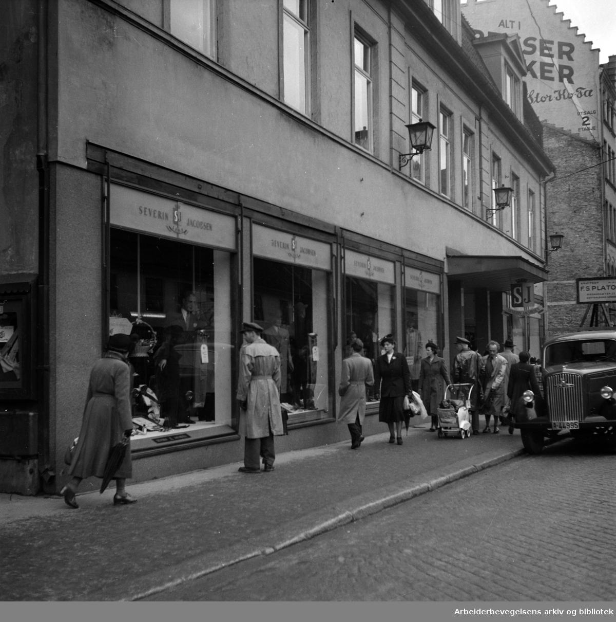 Storgata. Severin Jacobsens forretning. Mai 1952