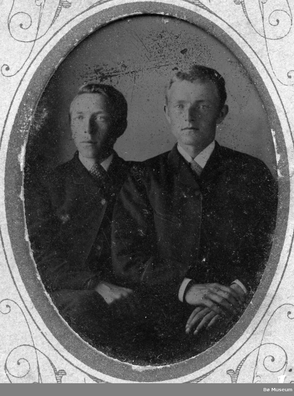 Portrett av Hans Sisjord og Andres Hjukse