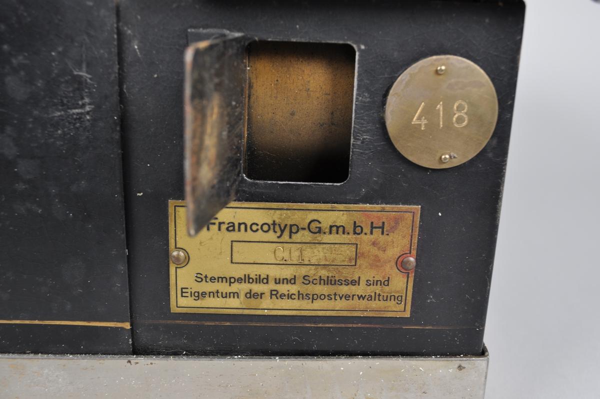 Maskin til bruk ved frankering av post. Maskin for bruk av frankeringskort med fast rammebeløp.