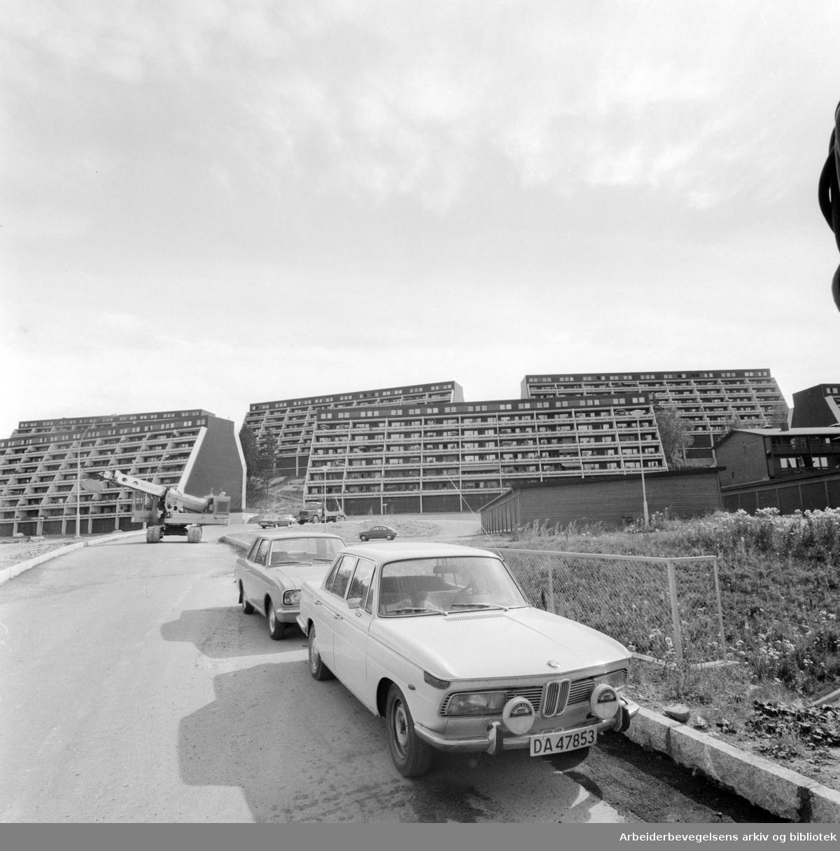 Vestli. Dårlig bymiljø på Vestli. August 1975