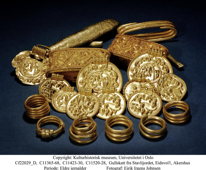 Gullskatt fra Stavijordet, Eidsvoll, Akershus. Periode: Eldre jernalder