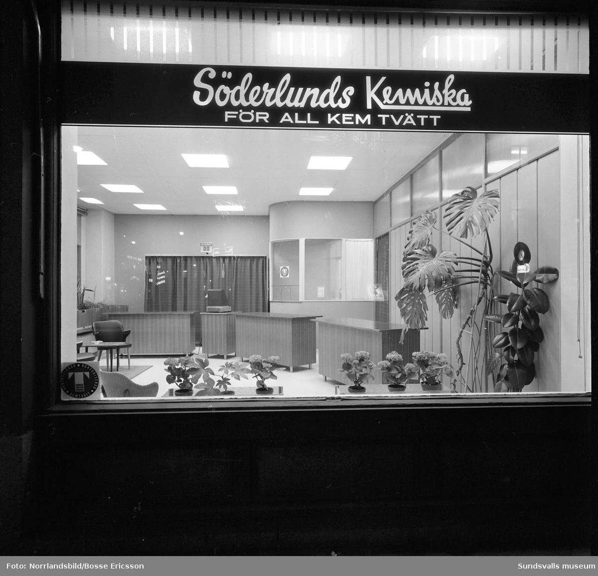Söderlunds Kemiska. Exteriörbild samt skyltfönster på kemtvätten vid Köpmangatan 12.