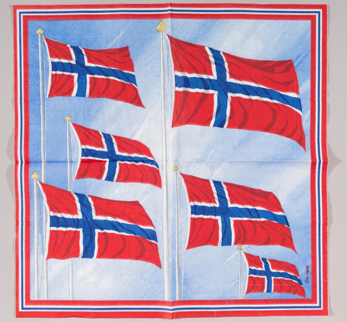 Norske flagg som flagrer i vinden mot en blå himmel. Kant med fargene blå, hvit og rød.