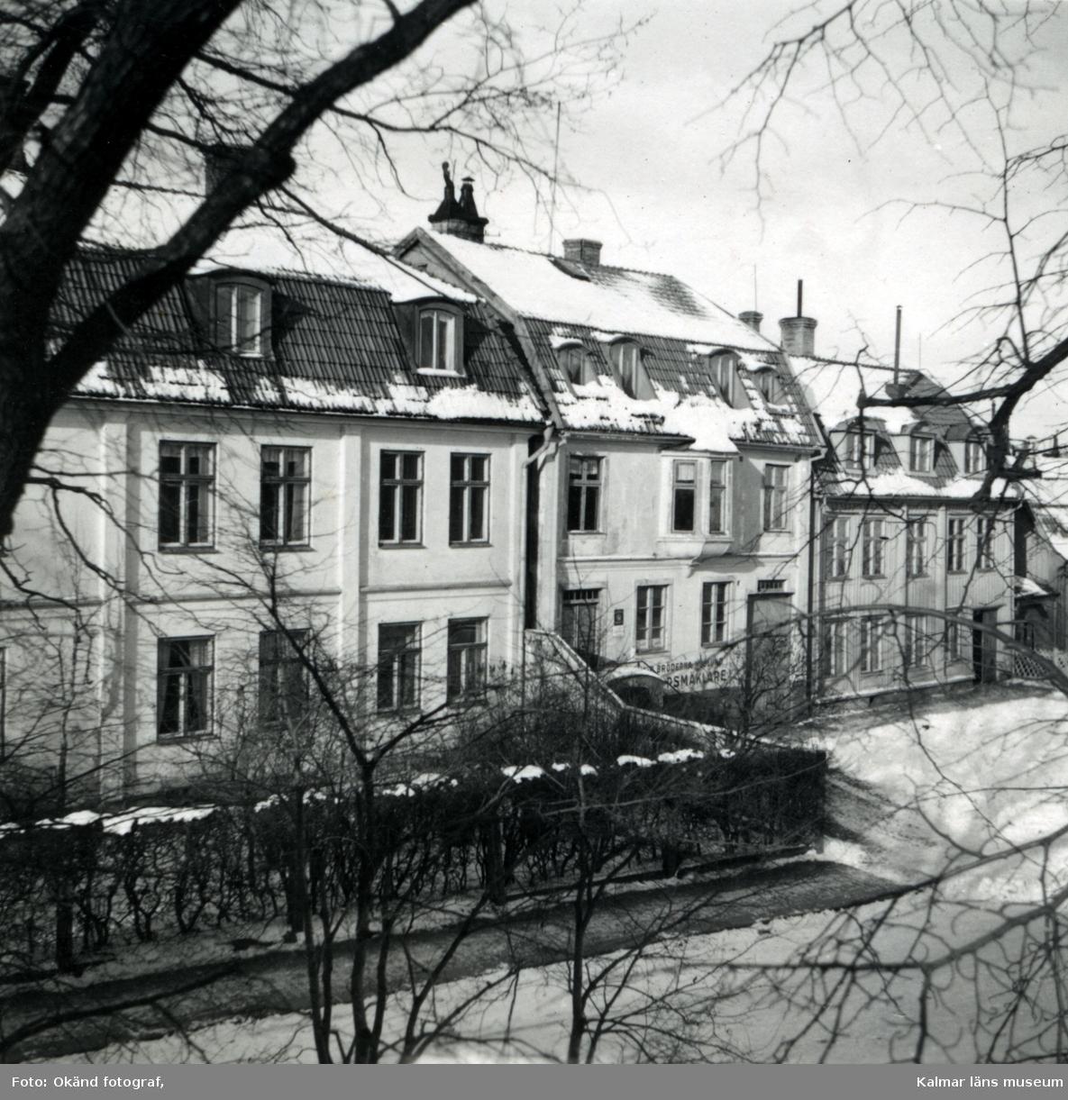 Kontor och bostadshus längs Södra Vallgatan på Kvarnholmen.