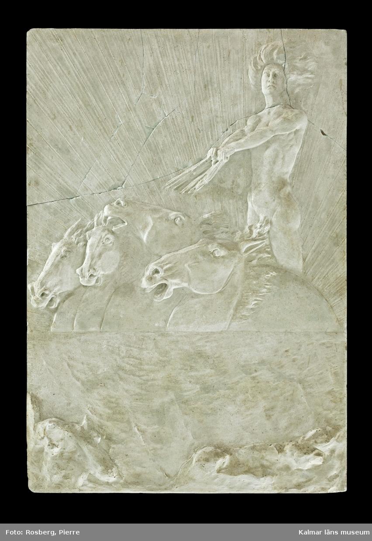 Motivet föreställer en naken man, troligen solguden Helios i den grekiska mytologin, som kör fyra hästar. I bakgrunden en sol med strålar.