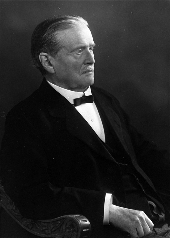 """Enligt uppgift: """"Otto Pettersson, kemist och grundare av Bornö Hydgrografiska station""""."""