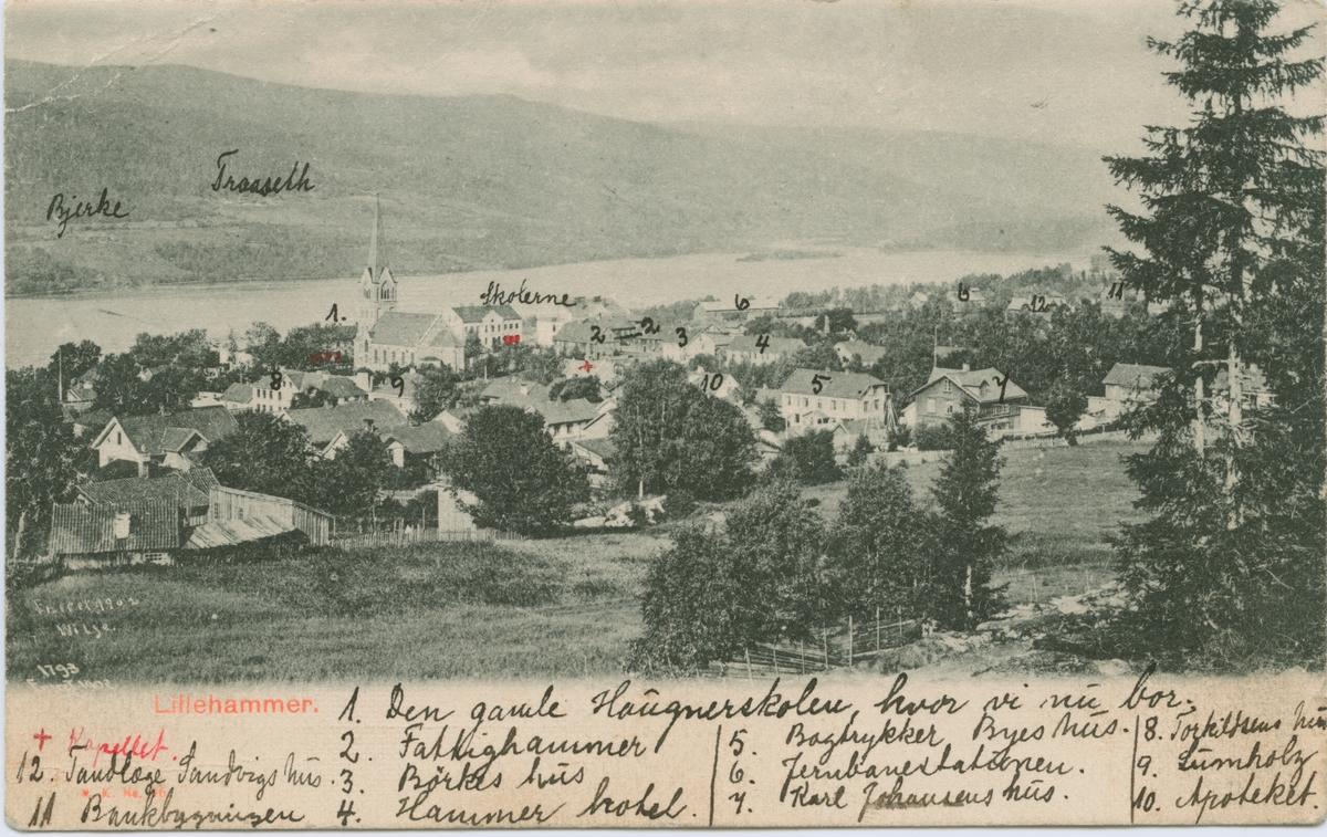Repro: Utsikt over Lillehammer med området rundt Lillehammer kirke, bebyggelse, postkort