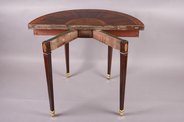 dating antikke møbler stiler regnbue Jae Kyung dating