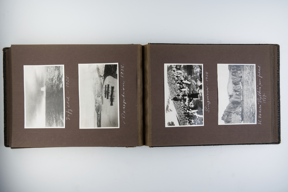 Album med 102 fotografier fra hvalfangst 1926-1929. Fotografert av Bryns foto i Sandefjord.