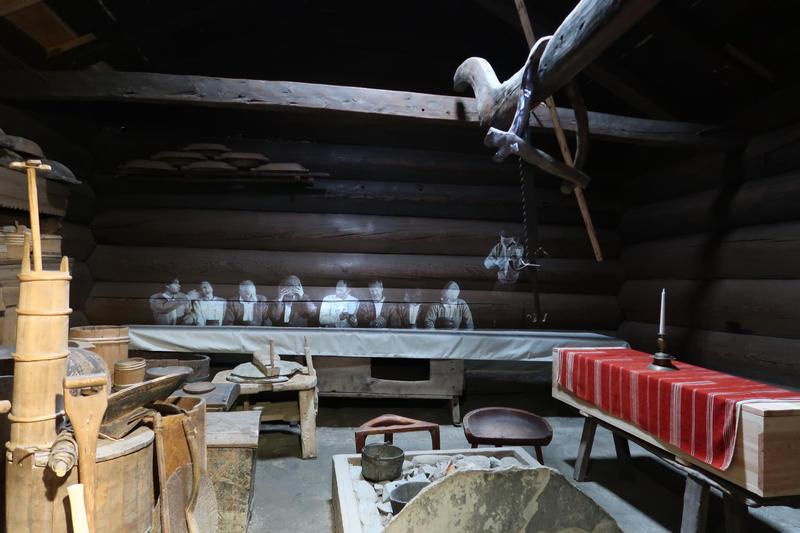 Stue fra Åmli, Setesdal, på Norsk Folkemuseum. Foto: Astrid Santa, Norsk Folkemuseum.