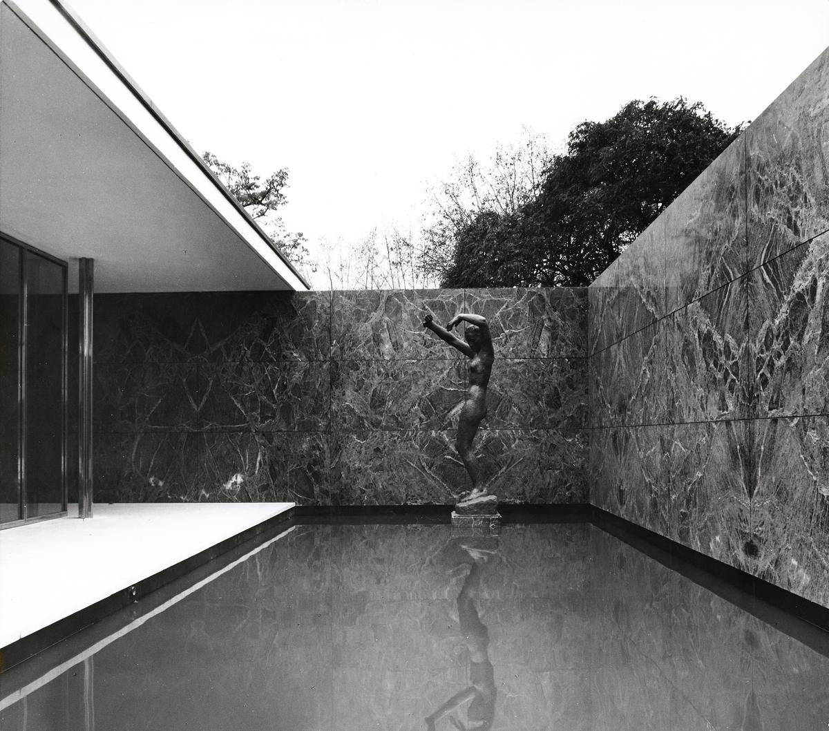 Mies van der Rohes Barcelona-paviljong [Fotografi]