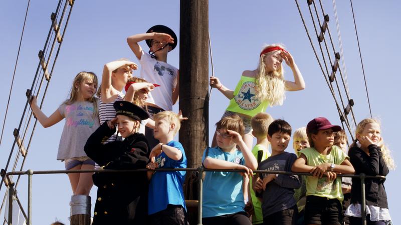 Barn ombord i Hansteen (Foto/Photo)