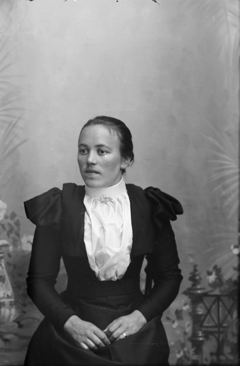 Portrett av Marit E. Kolloen.