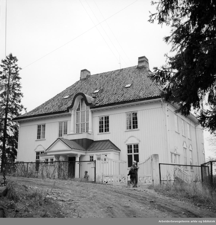 Gladheim, hjem for cerebral parese barn. Mars 1957