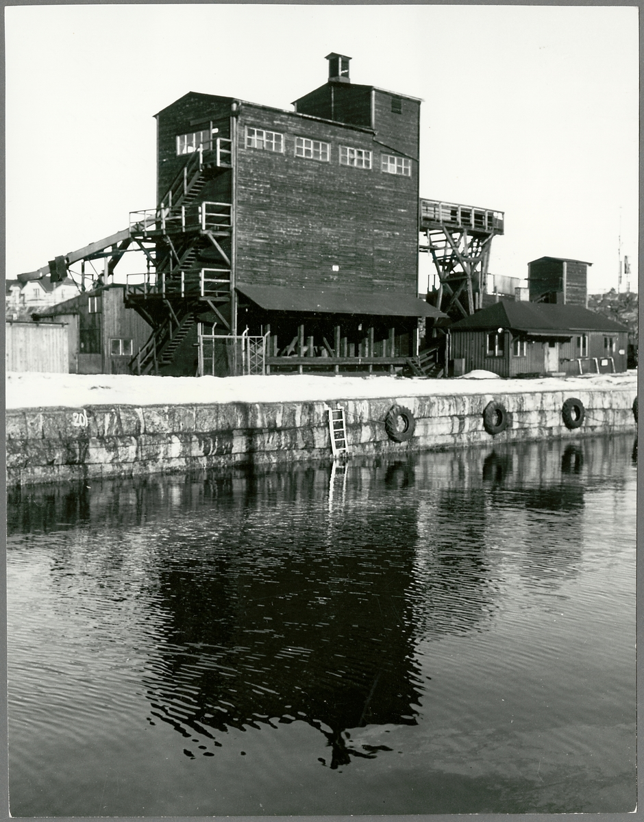 Kokssorteringsverk i Oxelösund. Togs i drift 1939, lades ner 1967.