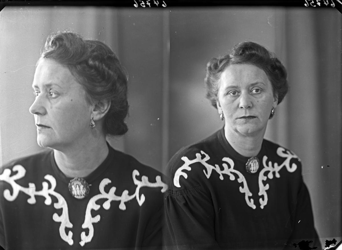 Portrett. Kvinne. Bestilt av Fru Solberg Knutsen. Strandgt. 37