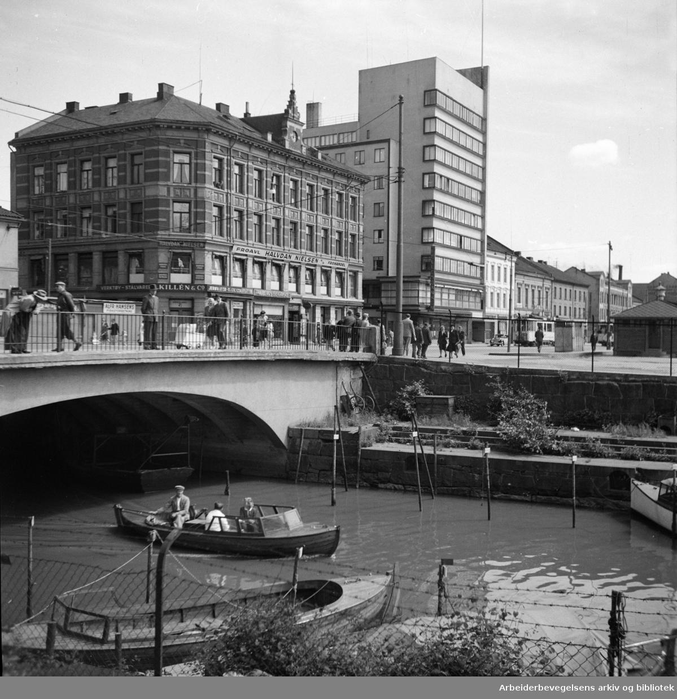 Akerselva sett fra Vaterlands bru. Juli 1955