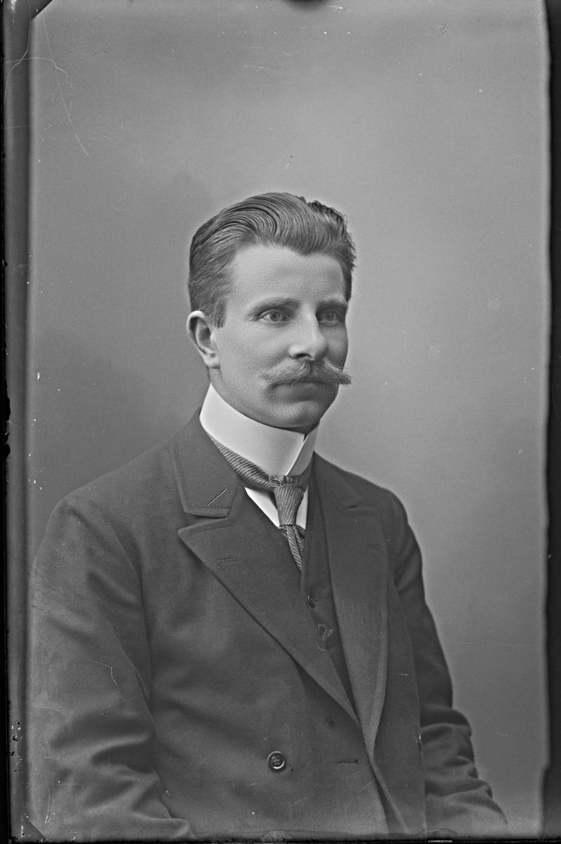 Redaktör Sven Linde