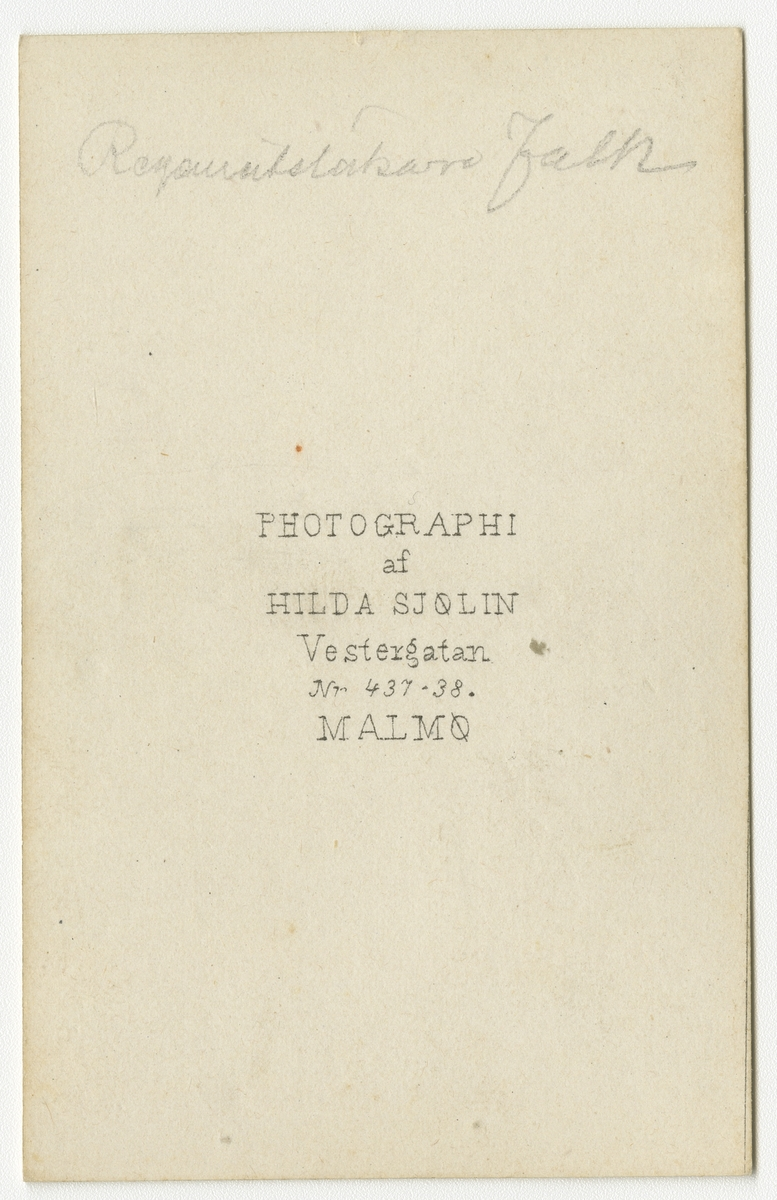 Porträtt av Johan Henric August Falk, regementsläkare vid Kronprinsens husarregemente K 7.