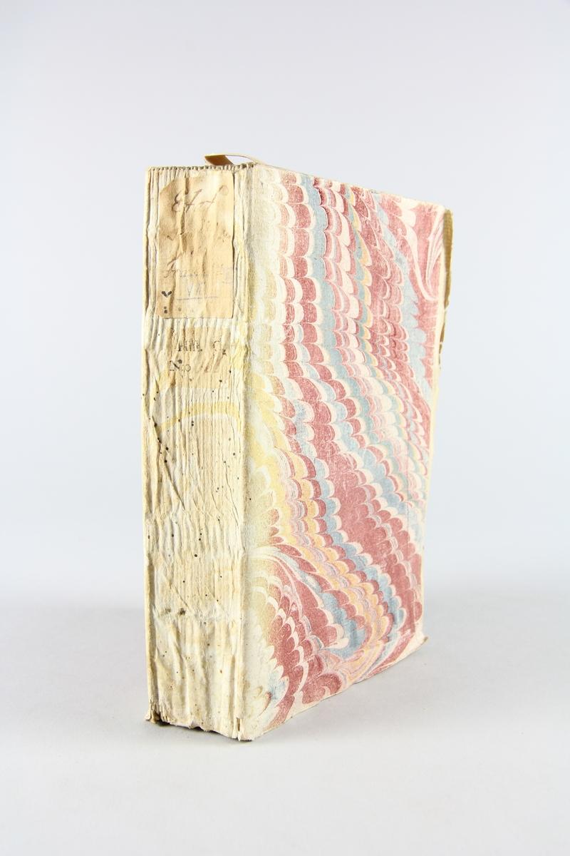 """Bok, pappband, """"État politique de l´Europe"""", del 9, tryckt 1742 i Haag. Pärmar av marmorerat papper, blekt rygg med påklistrade etiketter, delvis utplånad text. Oskuret snitt, ej uppskuren."""