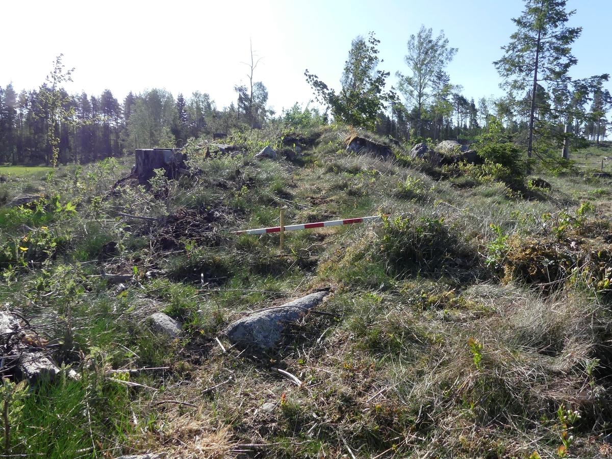 Kartering och dokumentation, A1957, grav, plogspårsskada, gravfält 176:1, Trevlinge, Rasbo socken, Uppland 2018