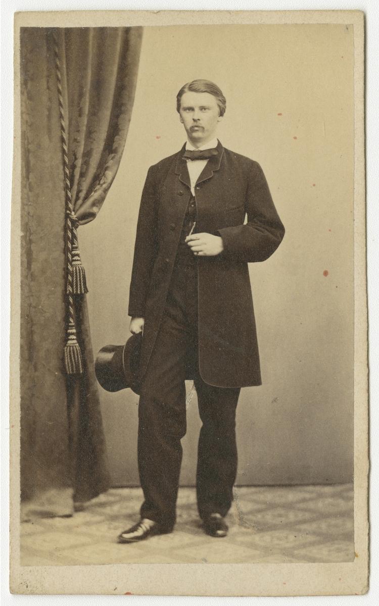 Porträtt av Carl Gustaf Liljegren, officer vid Västgöta regemente I 6.