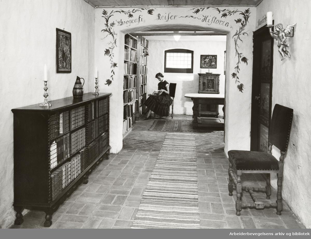 Damms antikvariat. Echersbergs gate 14. September 1955