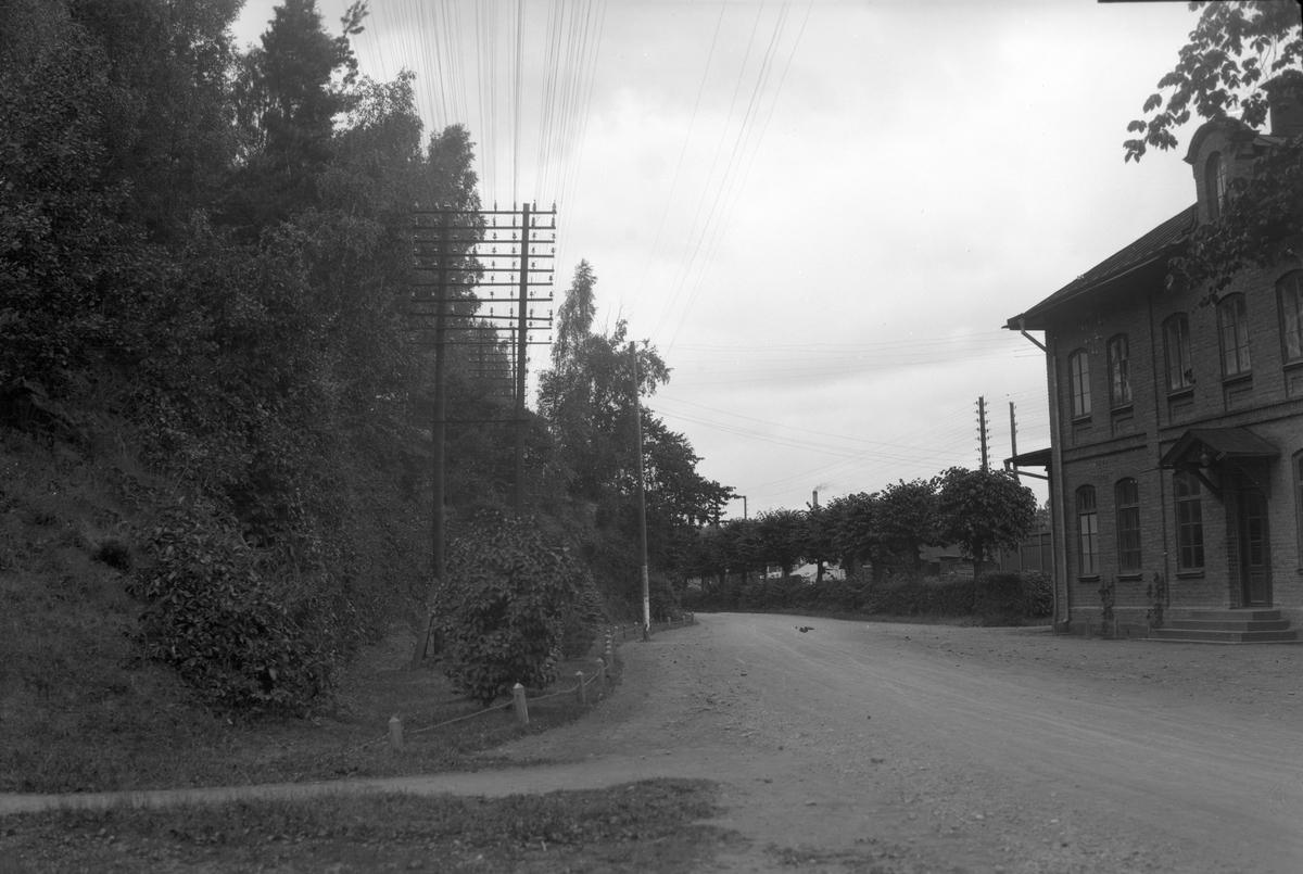 Stationen anlades 1874. Tvåvånings stationshus i tegel. Mekanisk växelförregling . Nytt stationshus på 1950-talet. Stationshuset revs 4.11.1996