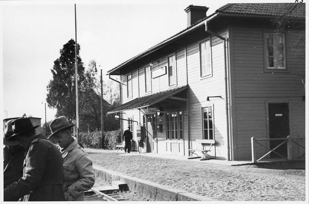 Byvalla station.