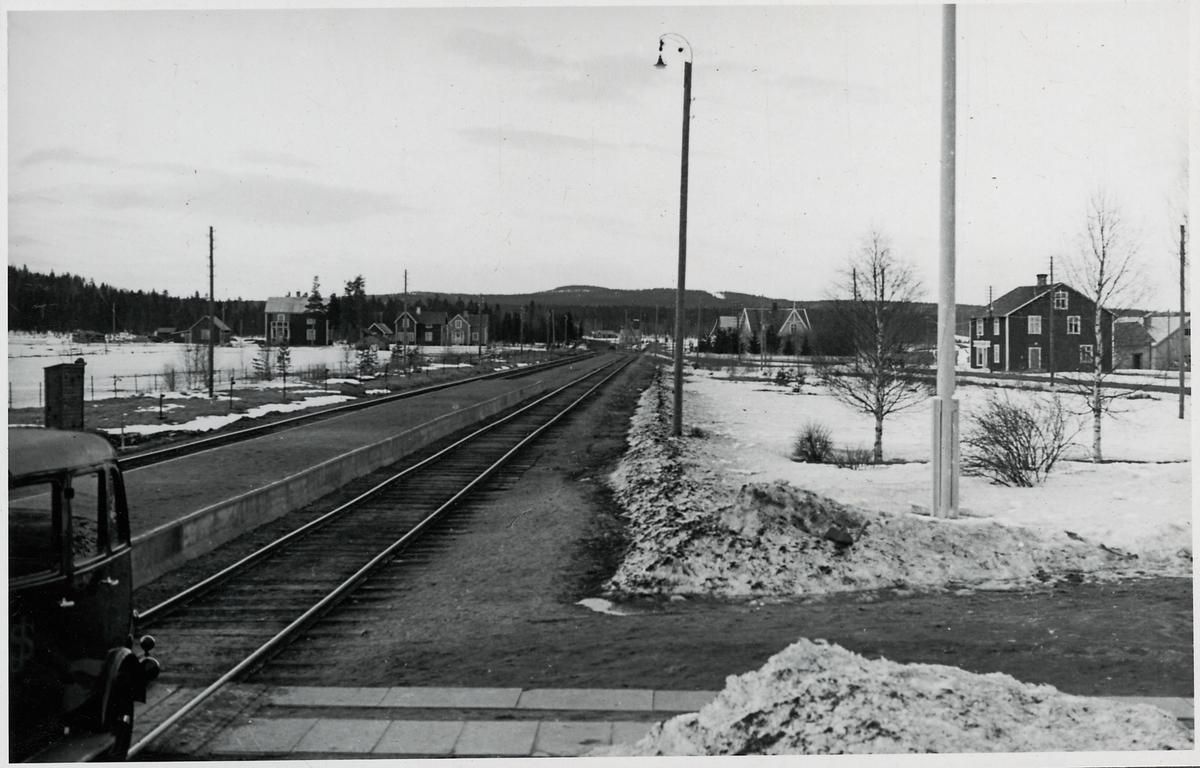 Tväråbäck station.