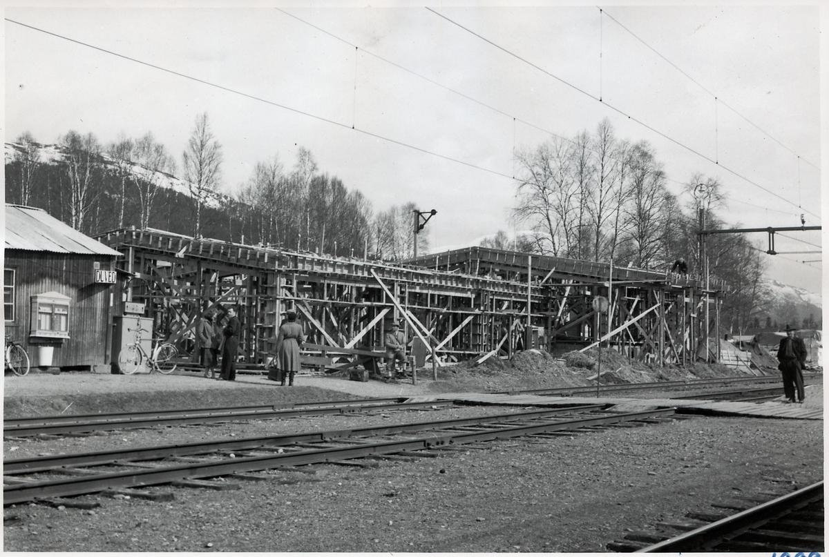 Byggandet av Duved nya stationshus.